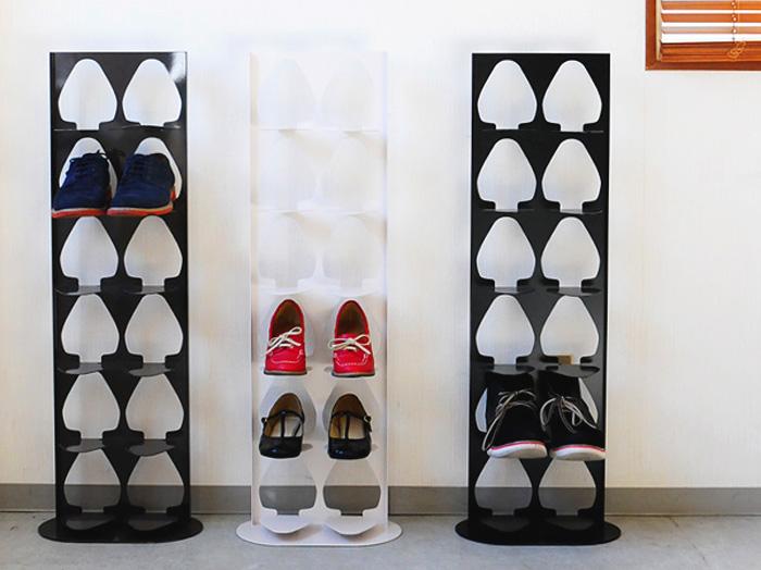狭い玄関でも靴をスッキリ収納できるラック